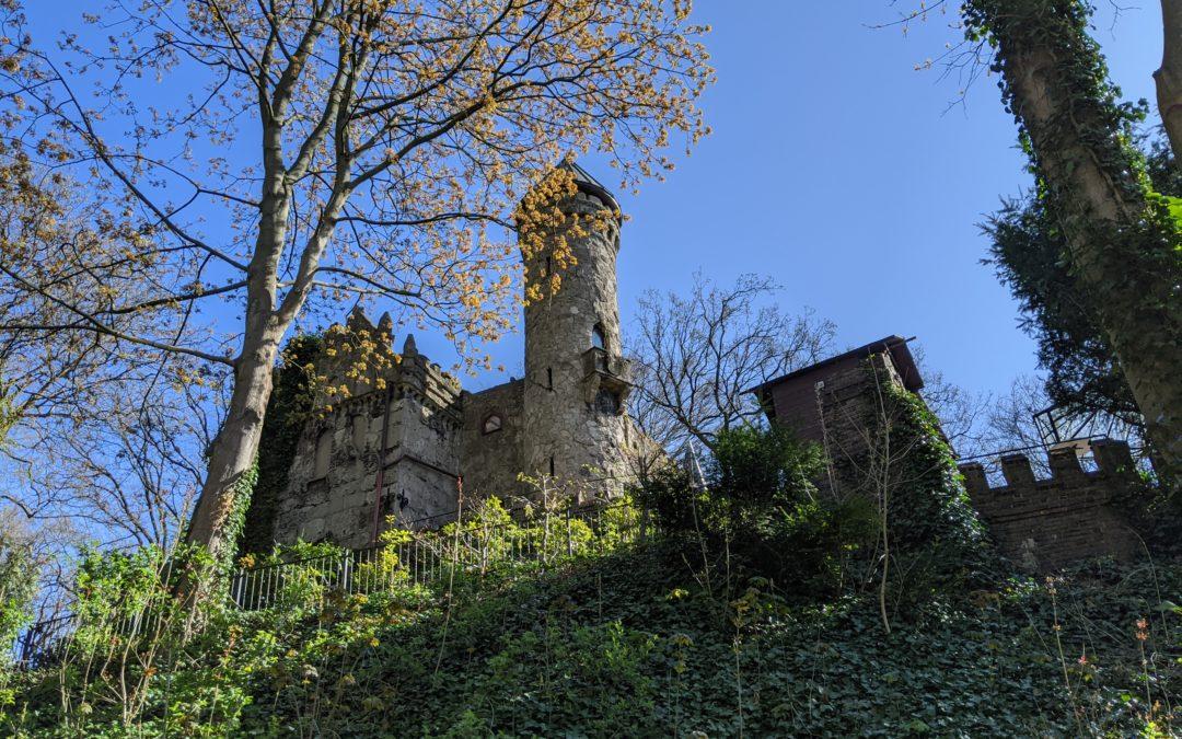 Klein aber fein: Willkommen auf Burg Henneberg.